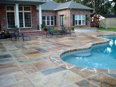 Image of a pool deck in an Ashler Slate Pattern